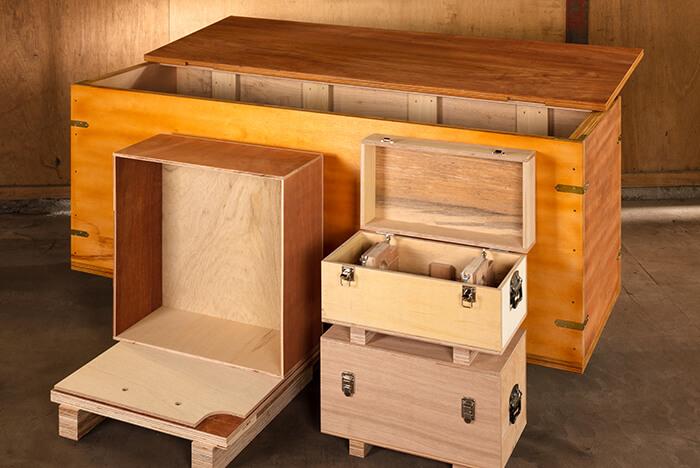 大岳キャビネット 輸送用木箱